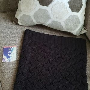 Roxy black infinity Cuddle scarf with cable detail